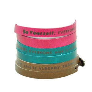 Inspire! eco armbandje: met motto: Be yourself, everyone else is already taken - div. kleuren