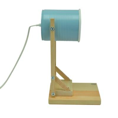 Op FairFrog: Iliui - Tafellamp Van Gerecycled Blik - Pastel Blauw