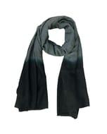 Purna - zachte sjaal van fijne wol met dip-dye - zwart grijs
