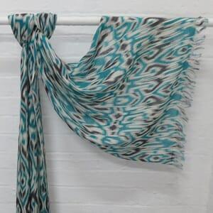 Asha - fijne wollen sjaal met mooie abstracte print